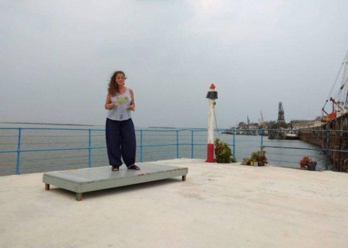 foto: Cuenta cuentos en el Teatro Flotante