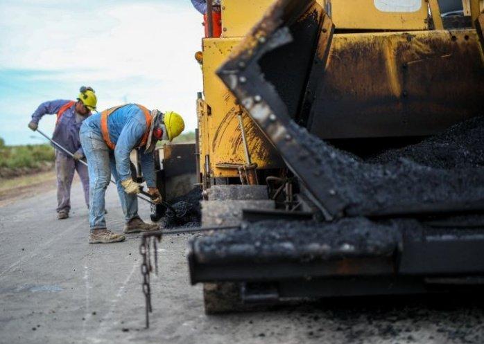 foto:  La repavimentación de la Ruta Provincial 126 avanza a ritmo acelerado