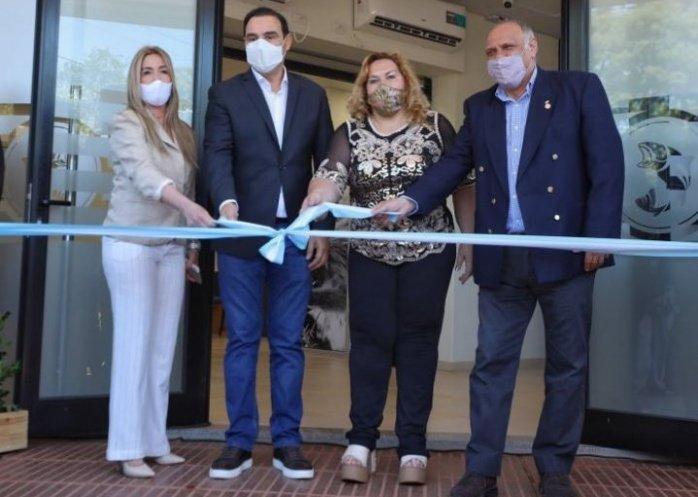 foto: Valdés inauguró un edificio del Banco de Corrientes en San Carlos